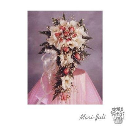 Ref.FMJ0042.Ramo de Novia Cascada en tonos blancos y rosas.